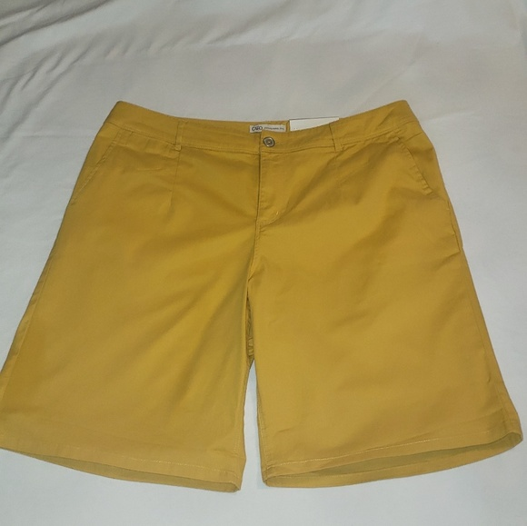 Cato Pants - Cato plus size yellow shorts New With Tags